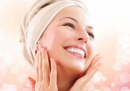 أربعة طرق عليك معرفتها لتنظيف بشرتك