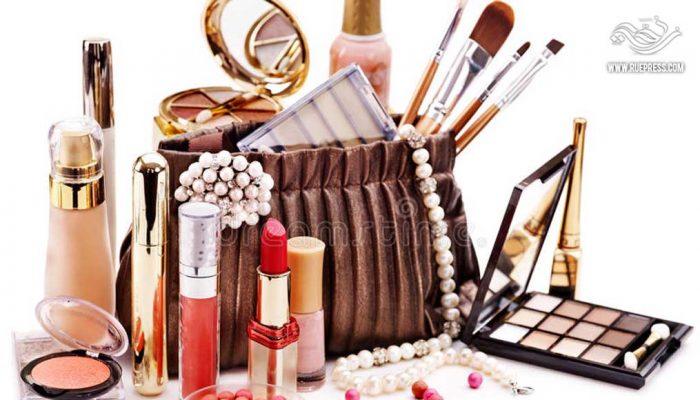 تعرف على أخطار مستحضرات التجميل وكيفية التخلص من أضرارها